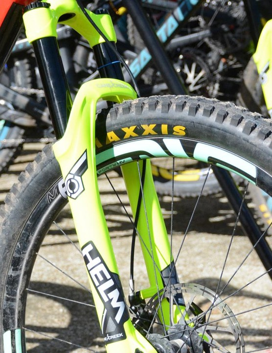 Cane Creek's demo bikes had a special hi-viz yellow Helm on the front