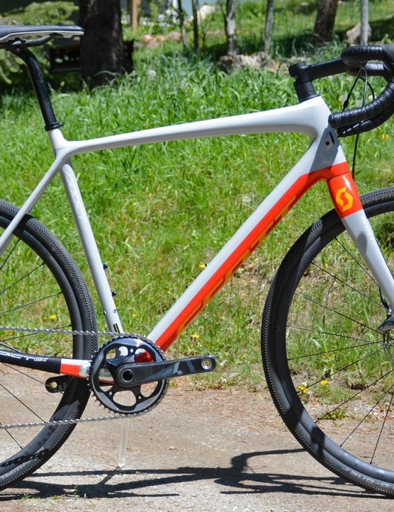 Scott's Addict Gravel 10 is just like all its similarly-named siblings, addicted to speed