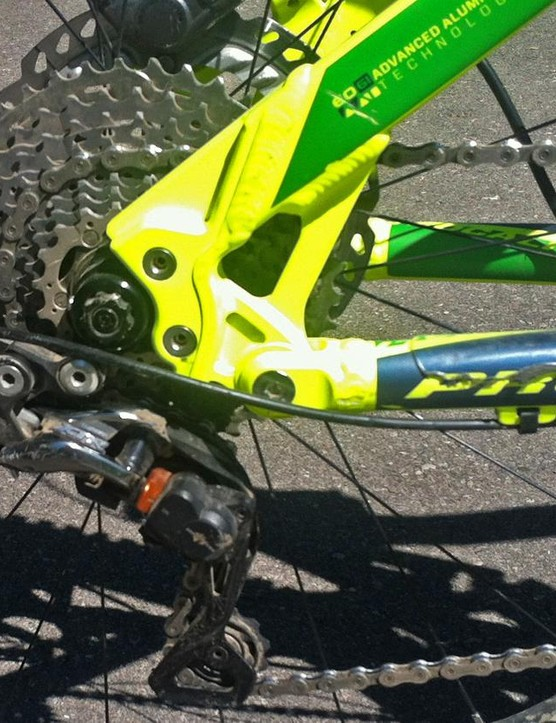 A full XTR mechanical groupset provides the gearing