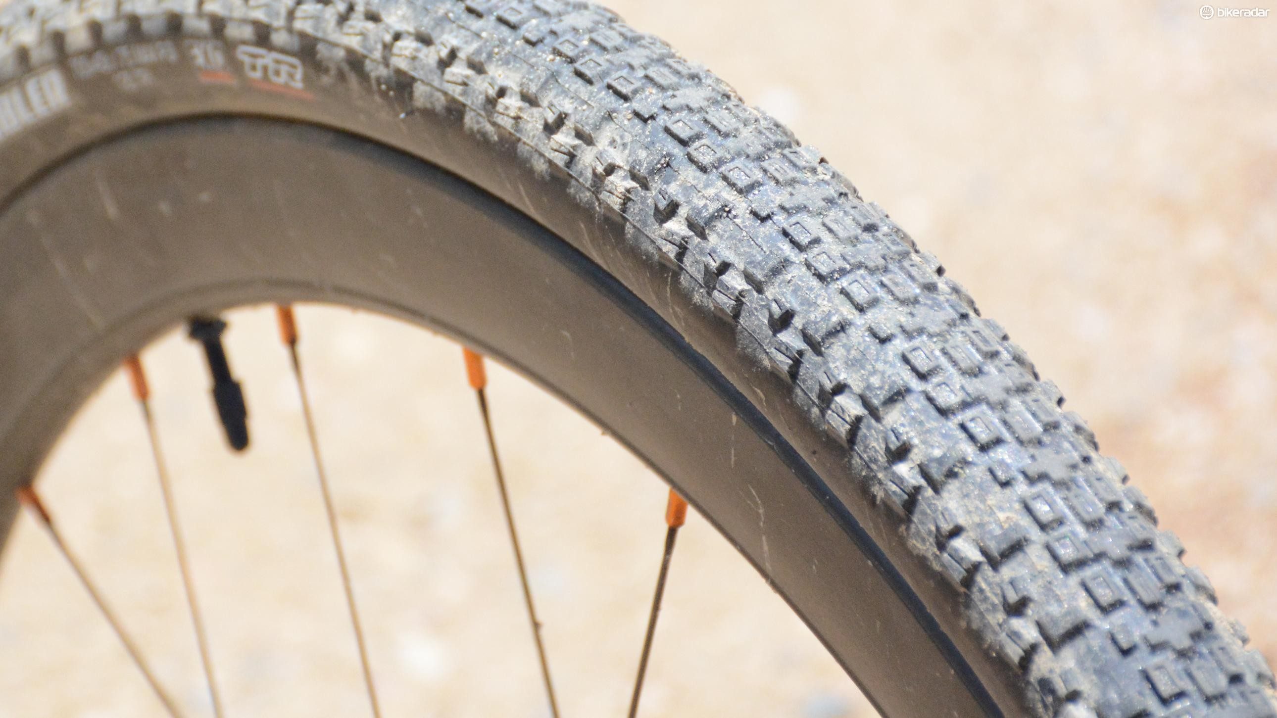 The tread features a tight center row for speed with spaced knobs for a bit of cornering bite