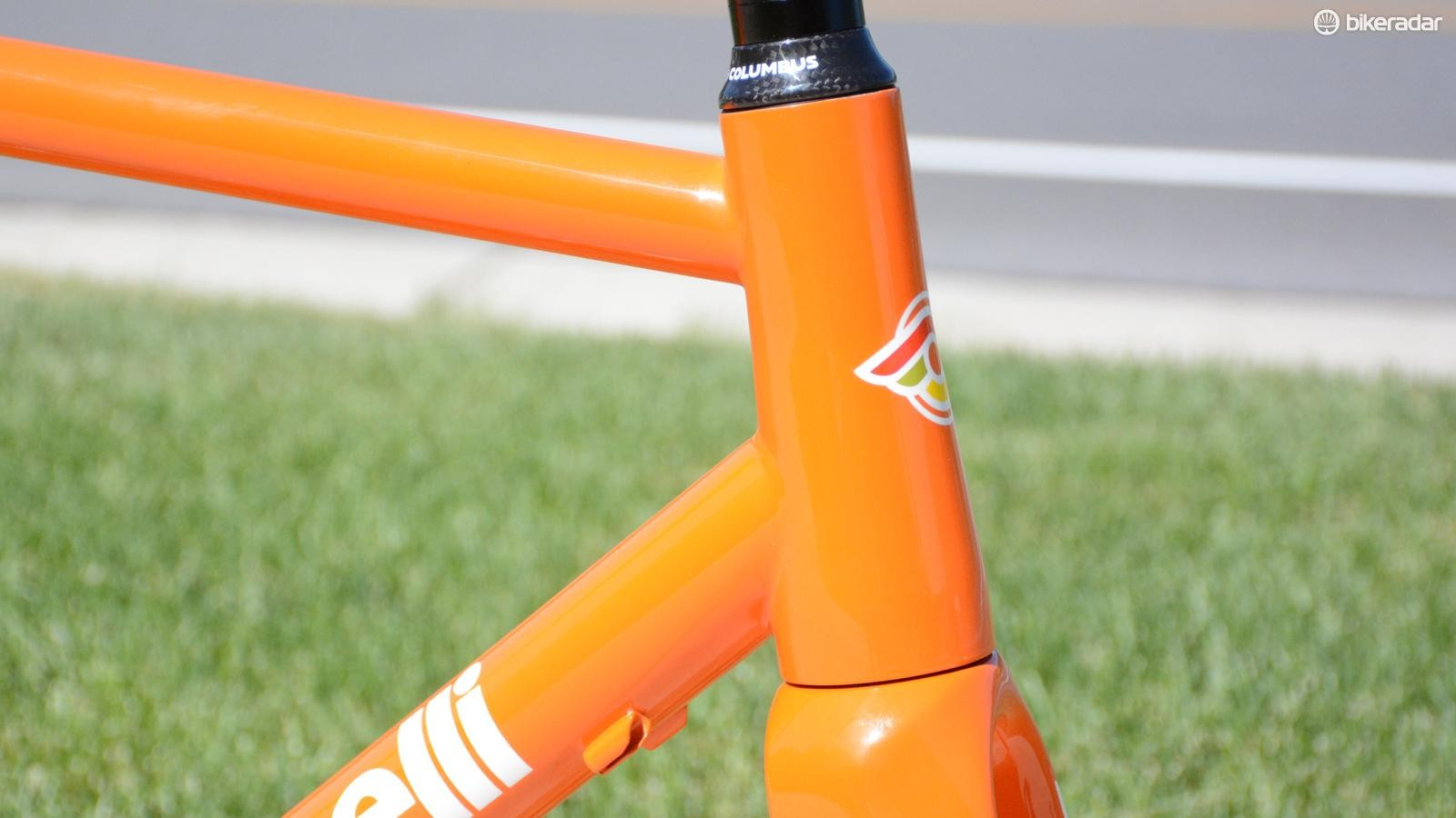 The fork and head tube are tapered 1.5in to 1 1/8in