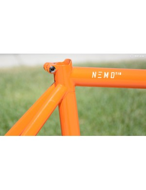 A classy, integrated seat clamp is included