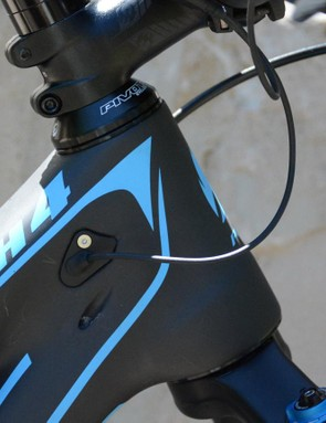 A short head tube keeps bar height in check