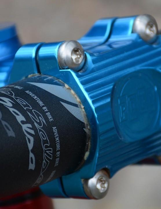 The four bolt Boxcar stem is a CNC'd beauty