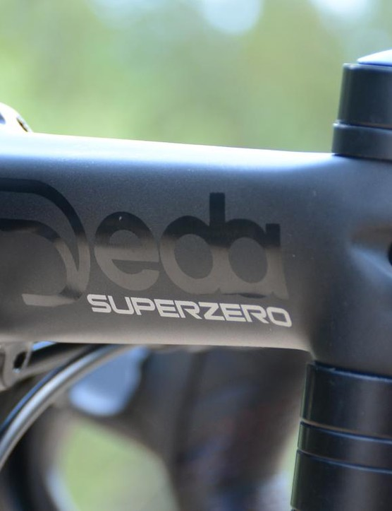 Deda is all over the finishing kit, including this Superzero stem