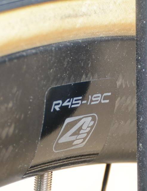 The all-new carbon Forza rims are 45mm deep and 19mm wide internally