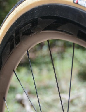 The deep Forza carbon rims performed well on tarmac and on gravel