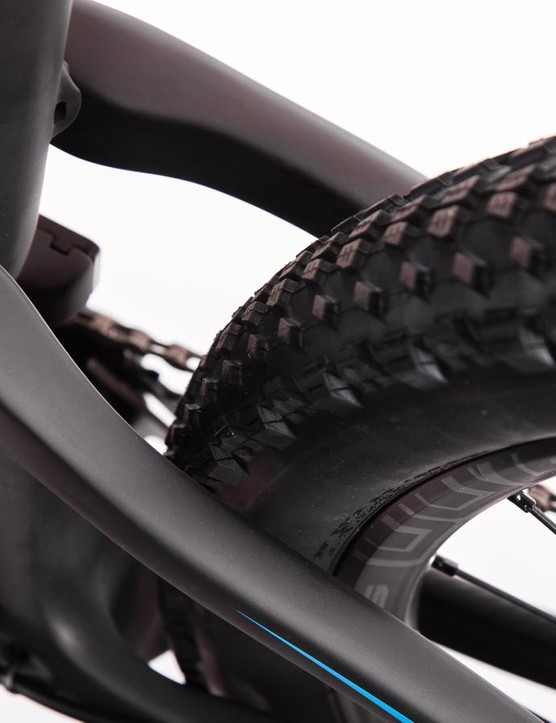 Another view of the rear tire clearance