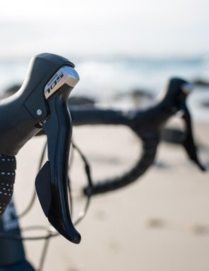 The 105 levers offer accurate shifting and feel