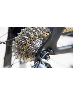 Dimension Data was running Ultegra 11-28T cassettes on its Cervelo S5s and KMC gold chains