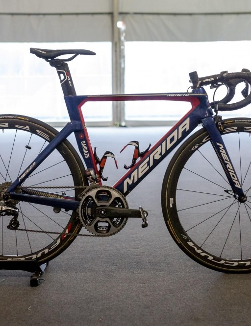 Arashiro rode Merida's aero Reacto in Adelaide