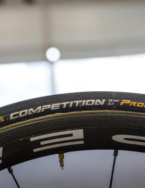 As with the majority of the peloton, Arashiro is running 25c Conti Competition tubs