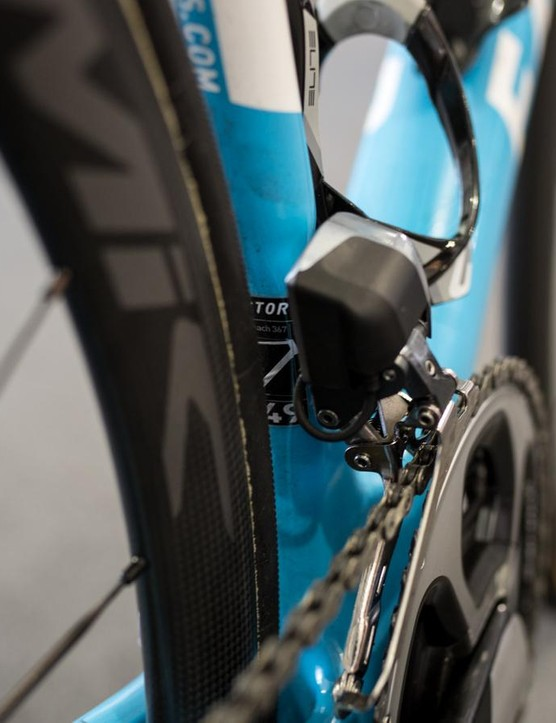 The Di2 front derailleur