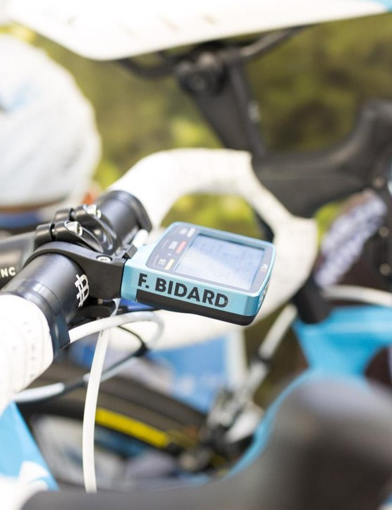 AG2R-La Mondiale has custom anodized SRM PC8's too, but they are baby blue to match the Factor O2 Frames