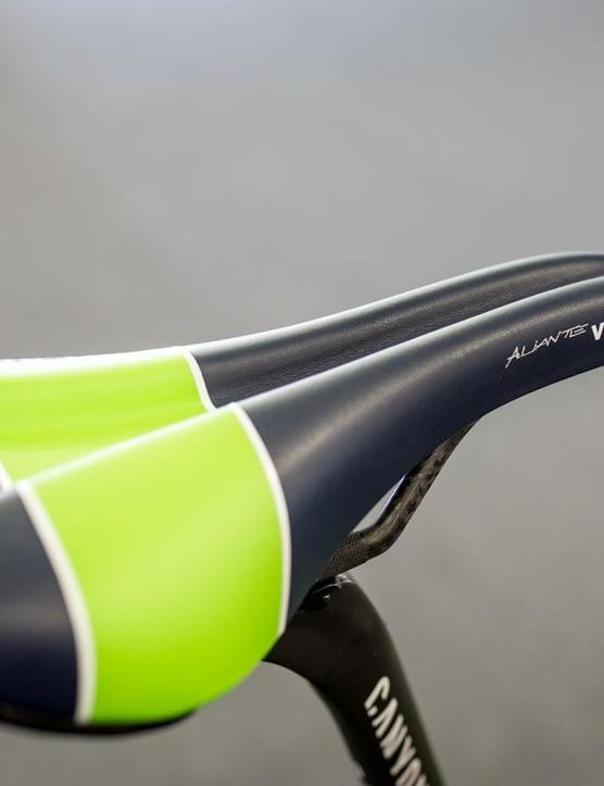 The Fizik Aliante VSX saddle has a large pressure relief channel