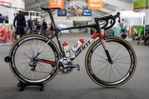Check out Wilco Kelderman's new Team Sunweb Giant TCR Advanced SL 0