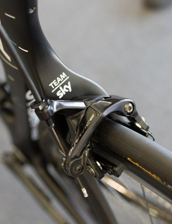 The F10 is equipped with Shimano Dura-Ace 9100 brakes