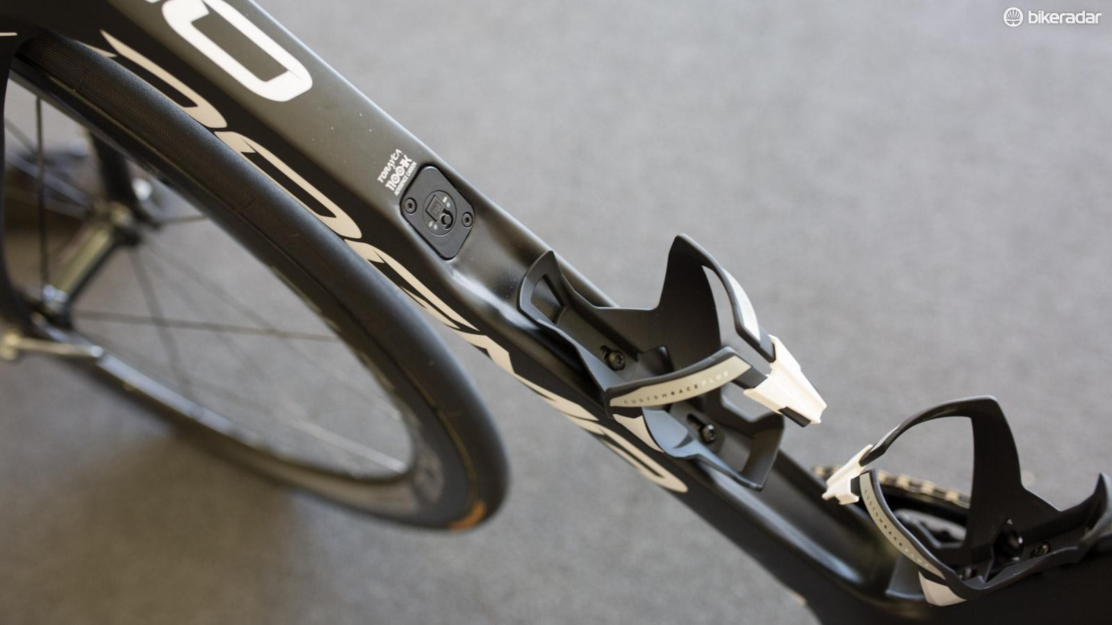 The concave downtube is at the centre of the controversy