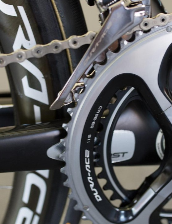 The bike features a 9000 series Dura-Ace crankset