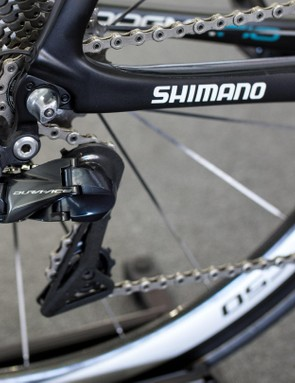 The new 9150 rear derailleur utilizes the minimal Shadow profile and direct mount and could easily be confused for the XTR mech