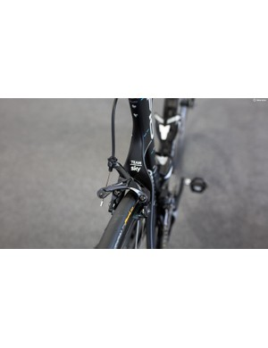 Interestingly the Dogma F10s don't take advantage of direct mount brakes, opting for the new dual pivot version instead