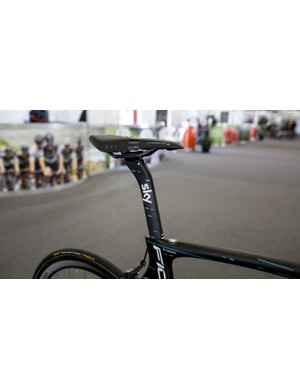 There is a fair bit of set back on the F10's seat post, even still, Stannard is running his saddle pushed back