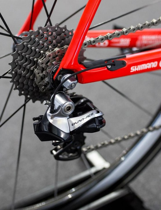 While FDJ had the new Dura-Ace powermeter and crank, the team was still running the old 9070 Di2 everywhere else