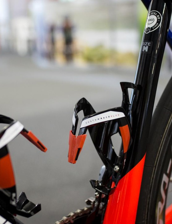 Elite Custom Race Plus bottle cages