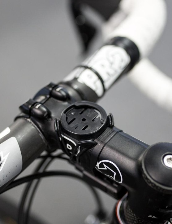 The standard rubber band Garmin mount for Le Bon