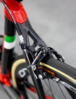 Swift's bike sees Super Record brakes front and rear