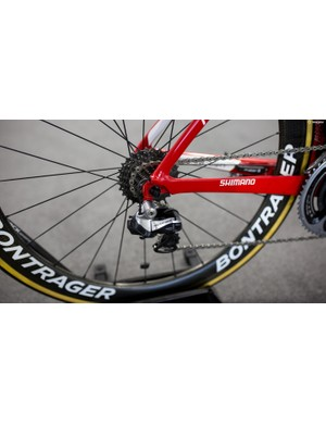Like the majority of the teams at the Tour Down Under, Trek-Segafredo was running the older Dura-Ace 9070 Di2