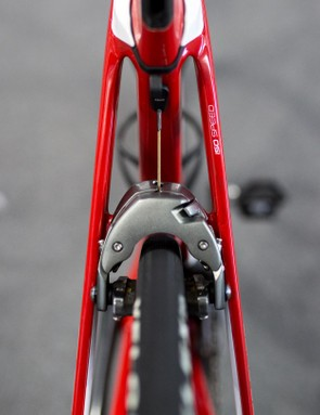 The only exposed section of the brake cable pops out of the back of the seat tube