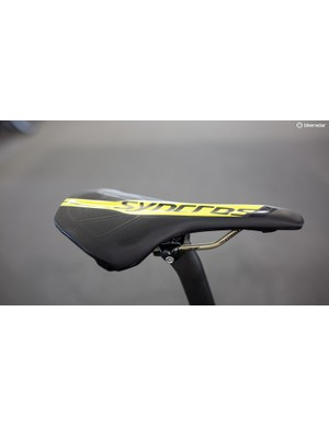 Seating arrangements are provided by Syncros' FL 1.5, Ti rail saddle