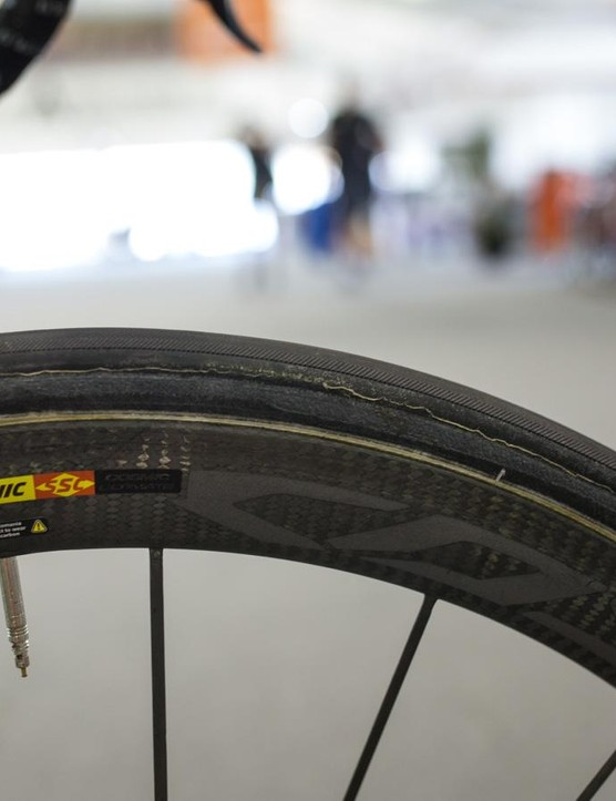 The label has been scrubbed from the sidewall of Howes' tires, but they look like a Veloflex casing to us