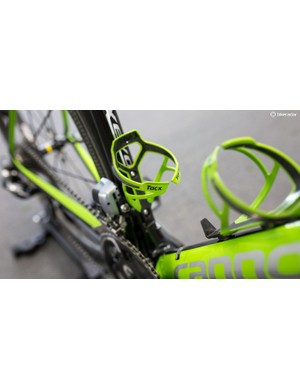 Like the majority of the field, Howes is running Tacx bottle cages to carry his drinks