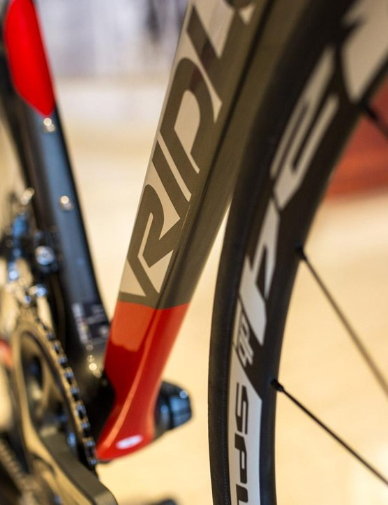 Ridley uses its trademark diamond shape for the downtube