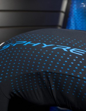 The fabric that makes up the S-Phyre jersey feels a bit 'crunchy' to the touch, similar to POC's Essential jersey