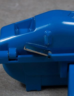 The latch is as sturdy as the rest of the unit and provides a satisfying pop when engaged