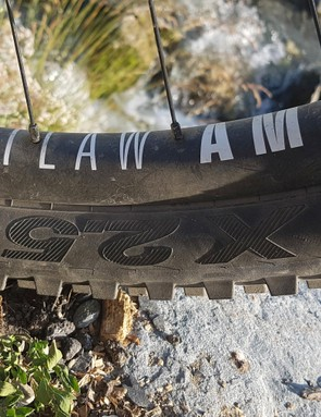 The Outlaw AM is reasonably wide and plenty stiff