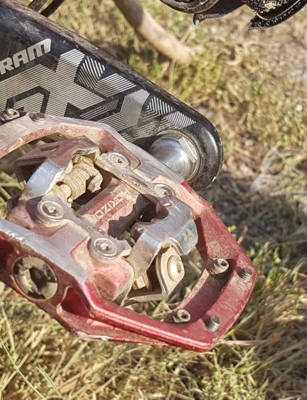 The new Horizon CS from Nukeproof has a mechanism that allows you to engage in the pedal from the front, back and top