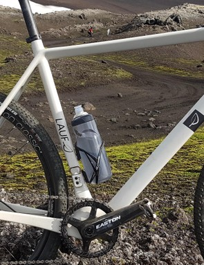The monocoque frame allows for easy cable routing, and very smooth lines