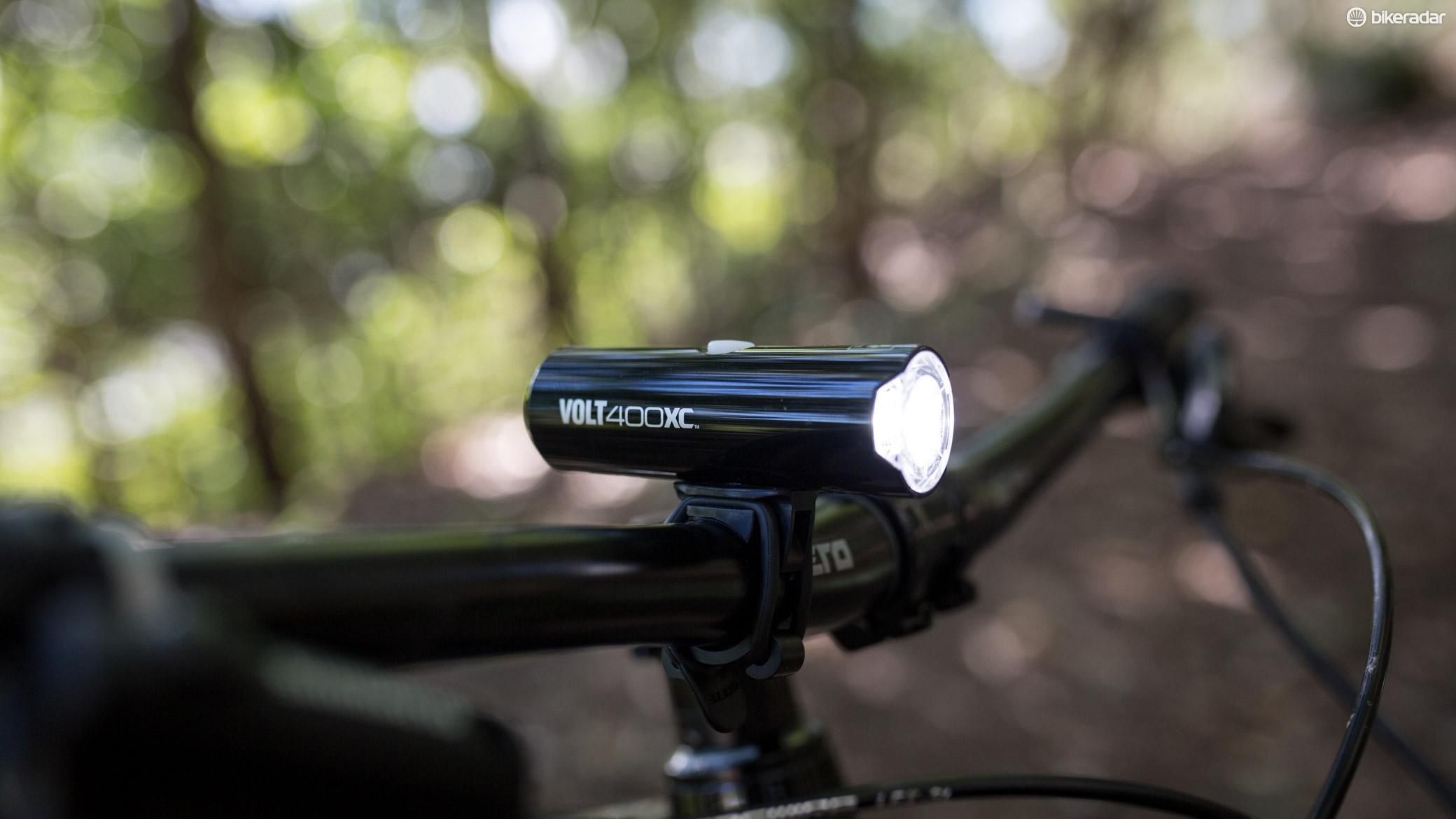 Cateye's Volt 400 XC is a sleek looking 400 lumen light