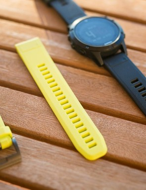 The fenix 5 gets Garmin's QuickFit bands