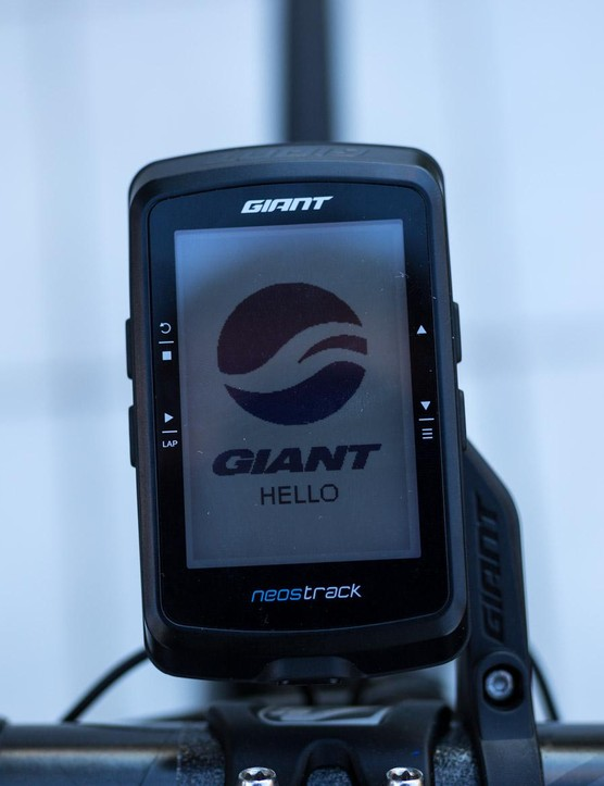 Giant's NeosTrack computer is a powerful GPS head unit