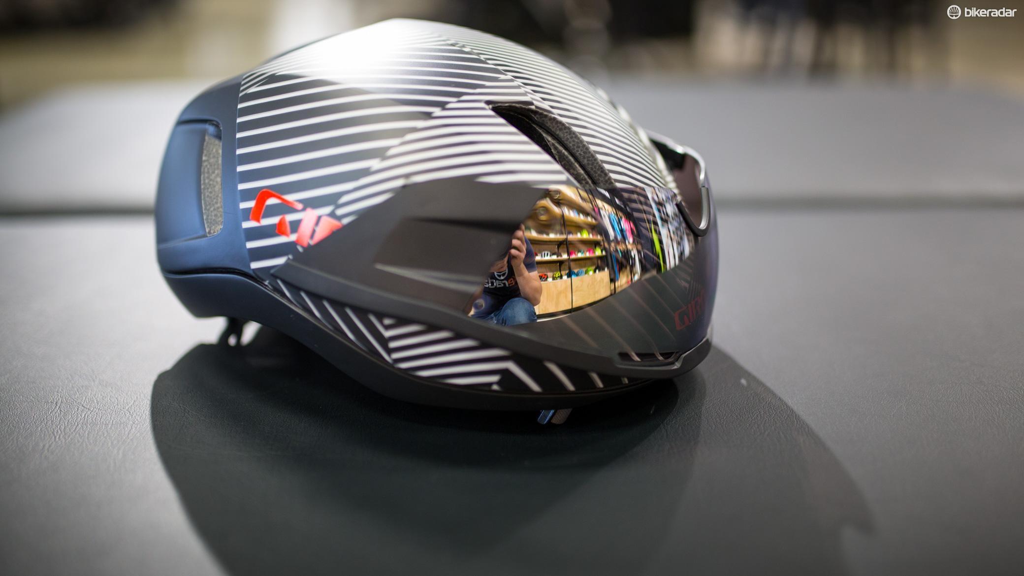 Like Giro's Aerohead TT lid, the Vanquish shield can be magnetically stored upside down