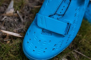 The only remnant of its predecessor is the Velcro strap over the toe box