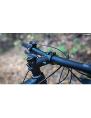 The 80mm stem and wider 720mm bars are very on trend