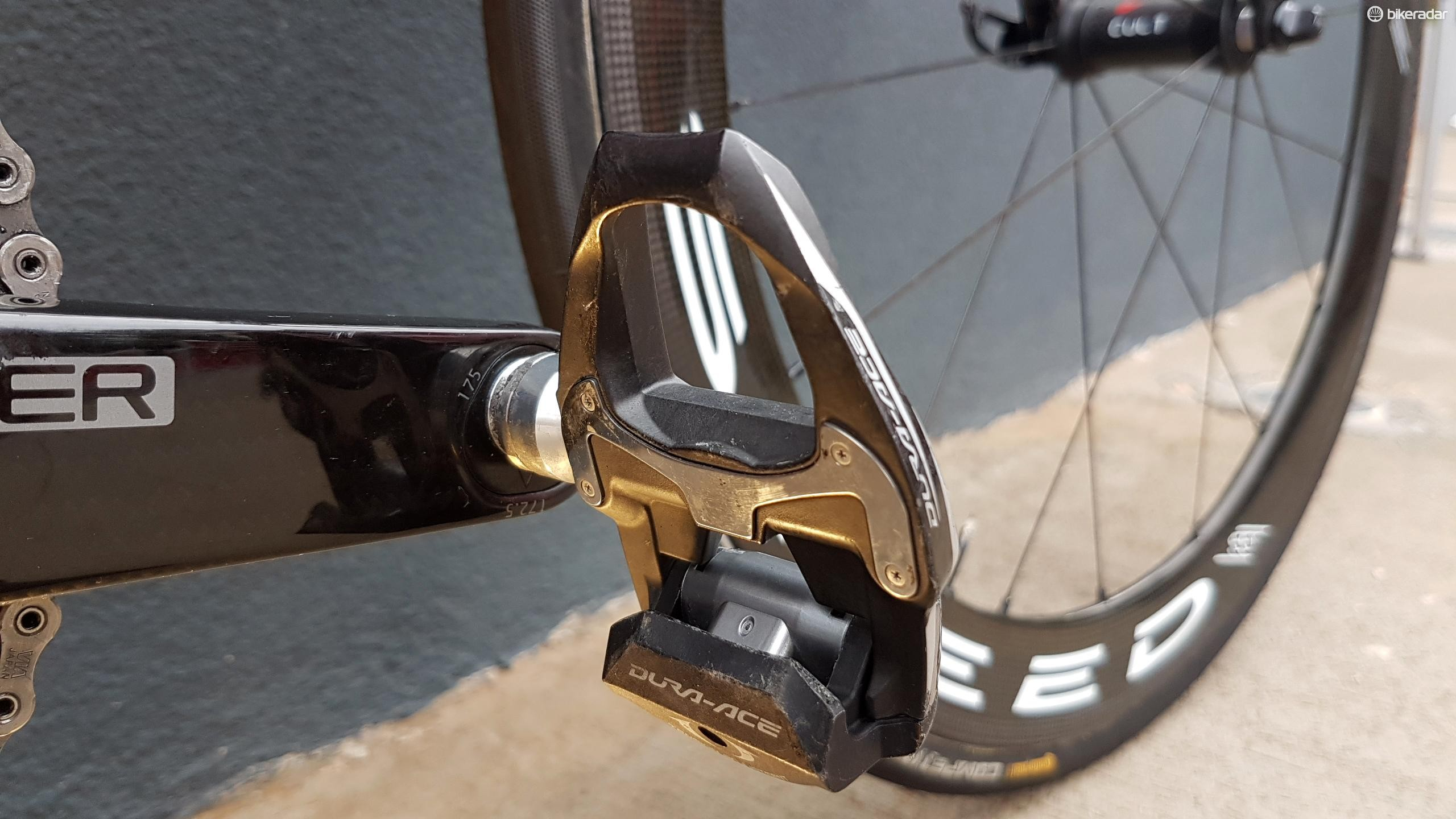 The team is using older Dura-Ace 9000 series pedals