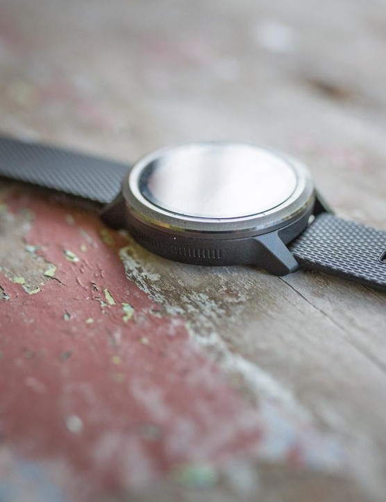The side of the watch is touch sensitive and can be used to swipe through the screens