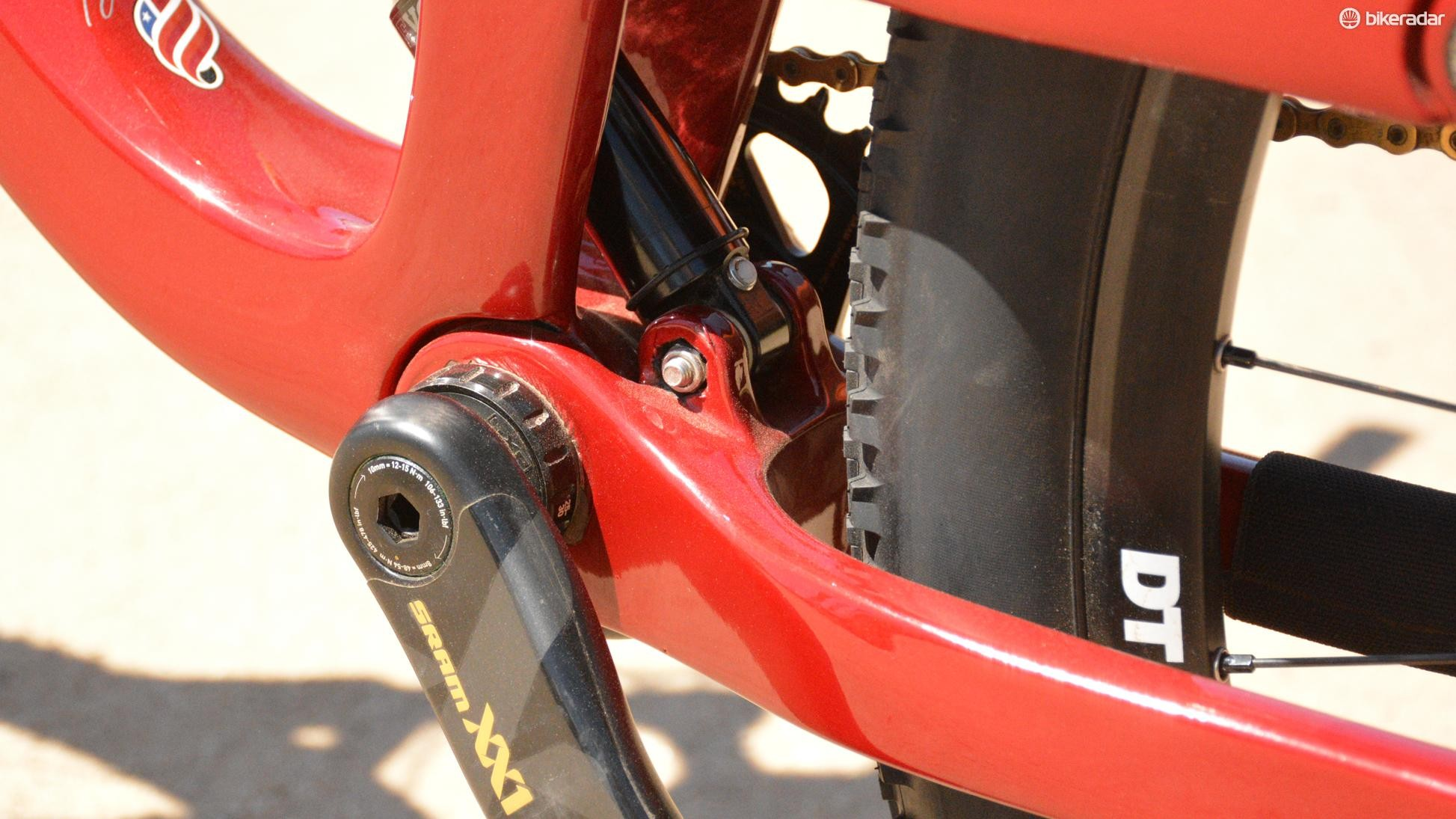 Here you can see how the lower shock mounts directly to the chainstays